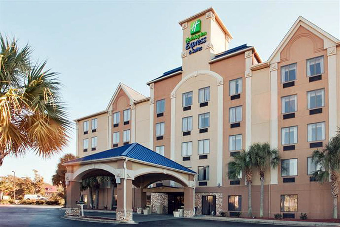 Holiday Inn Express & Suites Murrells Inlet
